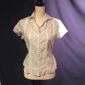 Button down print with lace inlayed trim